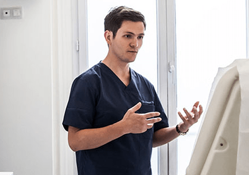 La philosophie du Dr Arnaud Petit, Chirurgien Esthétique à Paris