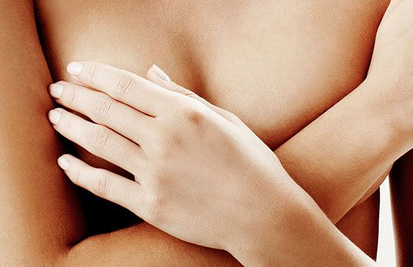 Augmentation mammaire par prothèse à Paris, la technique du Dr Petit