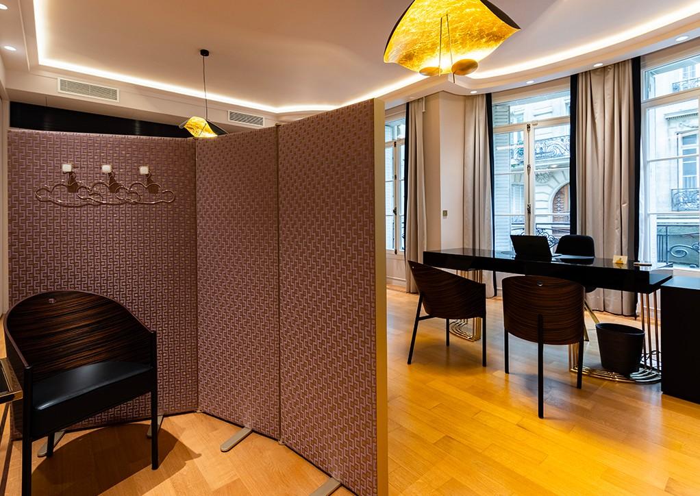 Cabinet de consultation du Dr Petit, Chirurgien Esthétique à Paris
